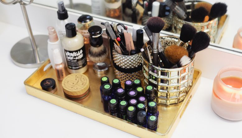 Well-organized beauty products. How and where should we store cosmetics  f67dae0c57b